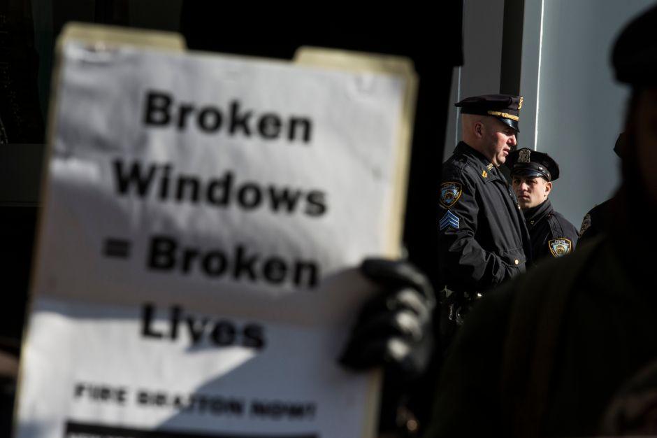 Denuncian que la discriminación policial contra latinos y afroamericanos sigue vigente
