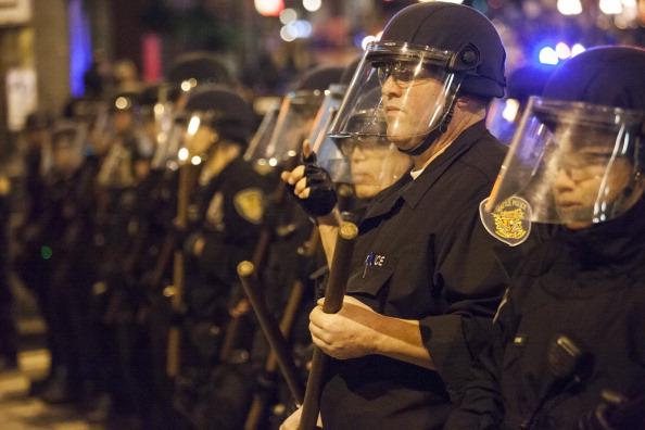Senado de Colorado busca frenar racismo policial