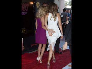 Reese Witherspoon le agarró la pompi a Sofía Vergara