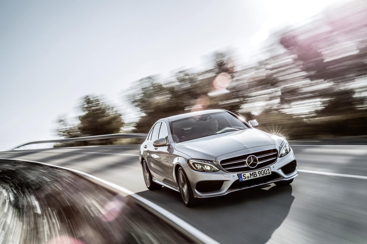 Mercedes Benz lidera el segmento de lujo, por encima de BMW