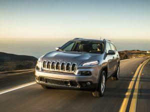 FCA adiciona unos 62,000 vehículos al retiro de los Jeep Cherokees