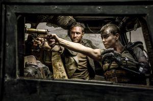 Charlize Theron, rápida y furiosa en 'Mad Max Fury Road'