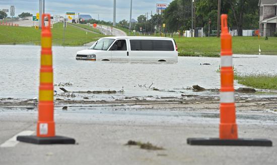 Texas declara zona de desastre 94 condados afectados por lluvias