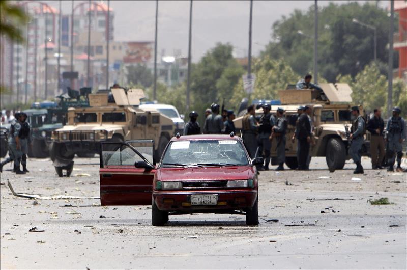 Ataque talibán deja unos 50 muertos en Afganistán