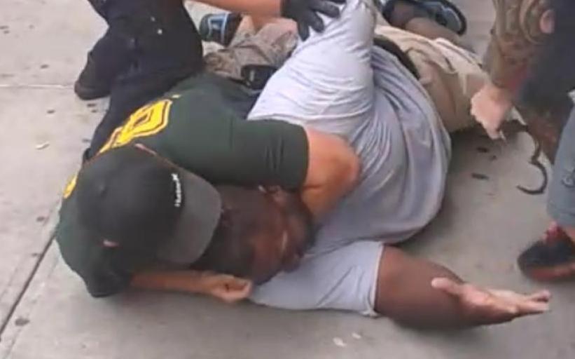 Marcha por despido de agente involucrado en muerte de Eric Garner