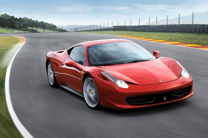 Ferrari no se salva: también tiene problemas con las bolsas de aire