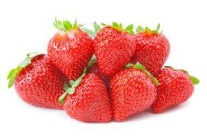 Fresas, espinacas y kale son los alimentos con más restos de pesticidas