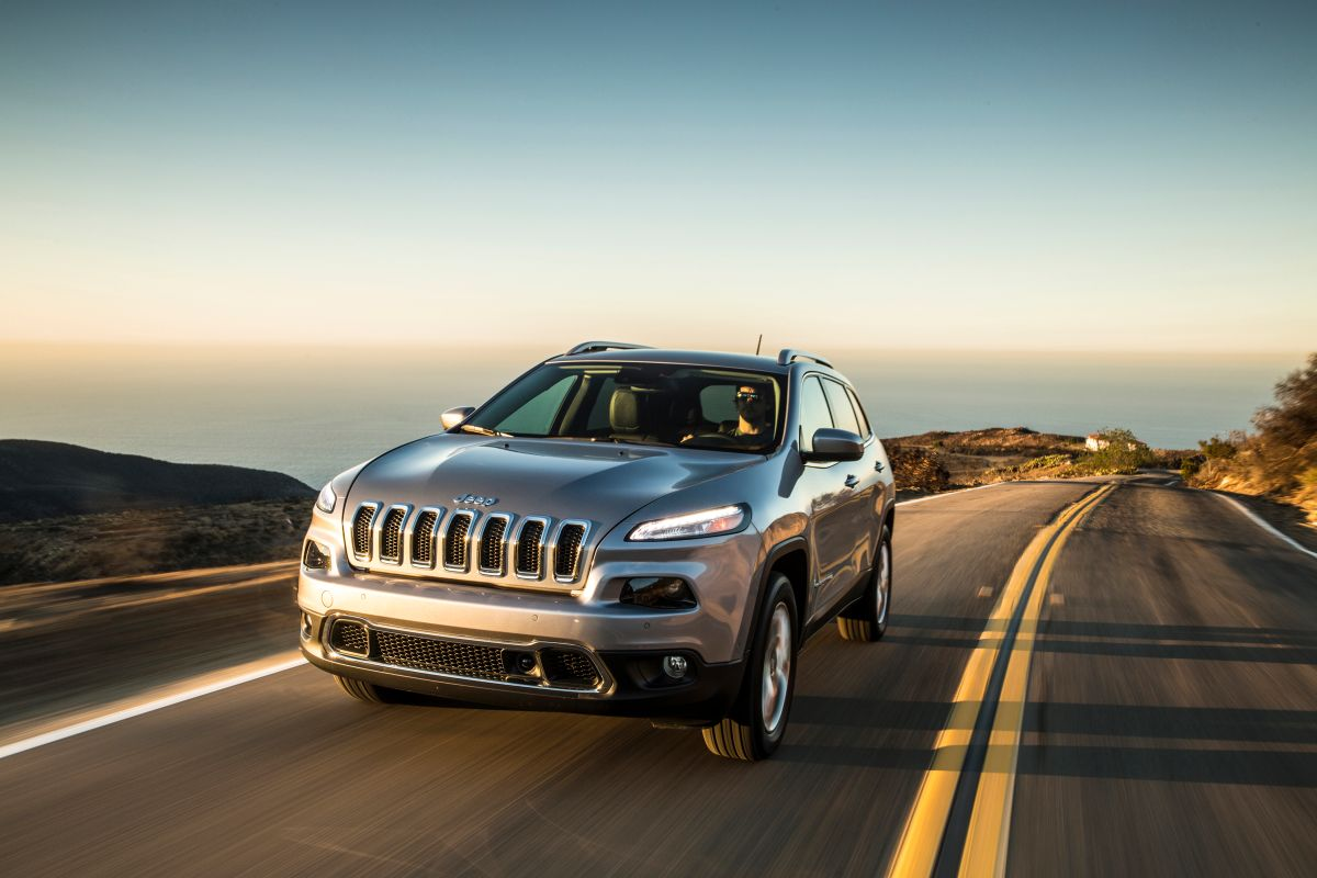 Los hackers lograron detener un Jeep Cherokee en plena carretera.