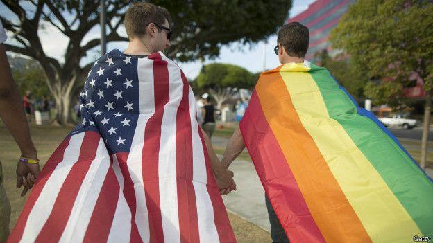 Revés para funcionaria que se oponía a matrimonio gay