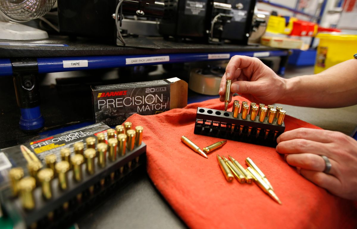 Corte Suprema rechaza estudiar caso de prohibición de armas de asalto