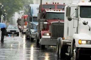 Camioneros dominicanos dejan de abastecer mercados de Haití