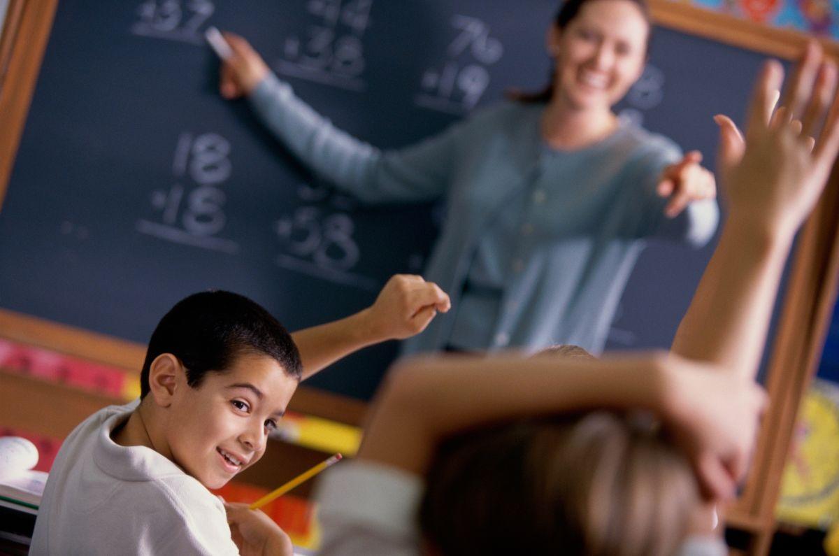 ¿Por qué renuncian masivamente los maestros?