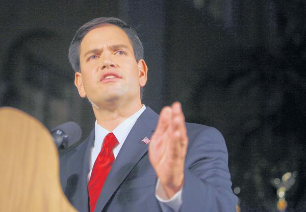 Senadores cubanos en posiciones contrarias
