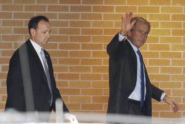 Piden arrestar a George W. Bush en Africa