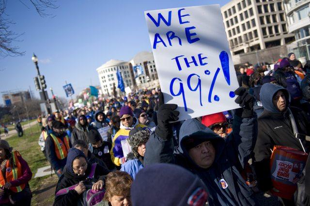 Desempleados latinos se unen a 'indignados'