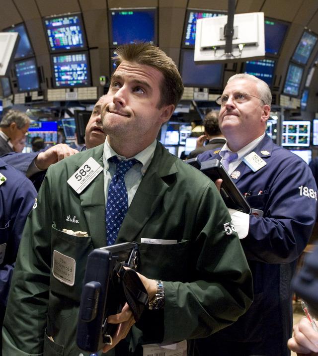 Lunes rojo para Wall Street