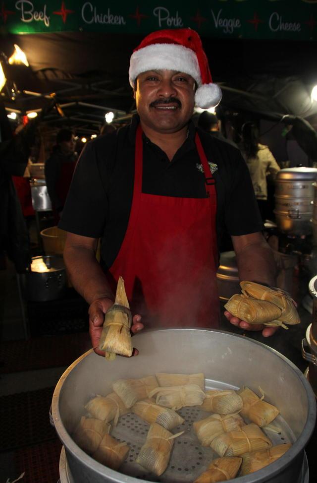 Los tamales visitan mesas no hispanas