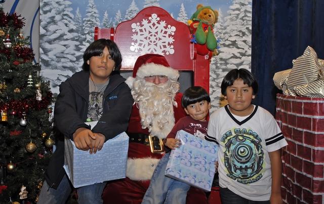 Santa Claus pasa por hospital de Manhattan
