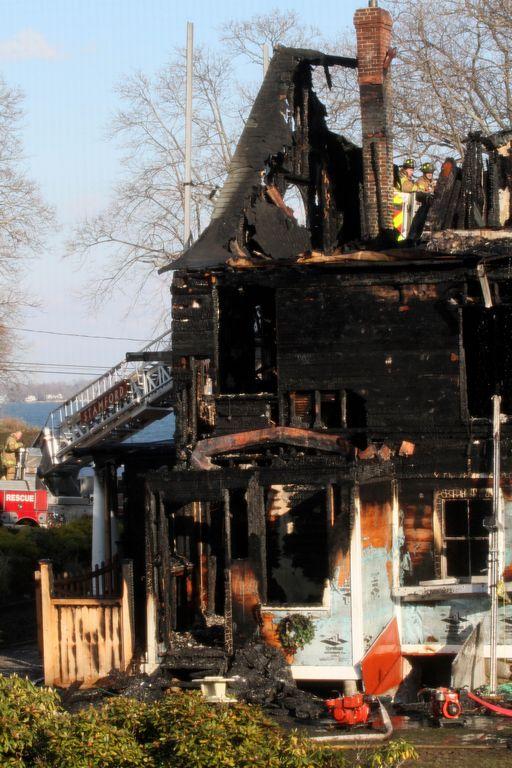 Derrumban trágica casa donde murieron cinco