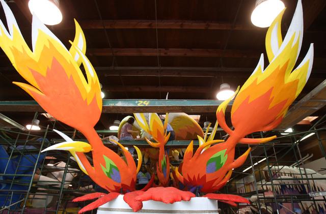 Desfile de las Rosas vibrará con ritmos latinos