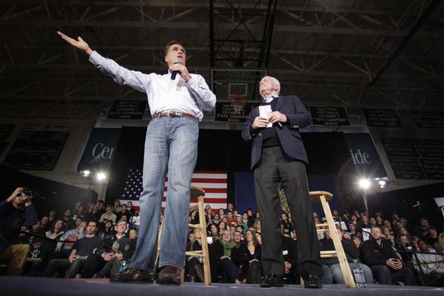 Romney recibe el apoyo de McCain