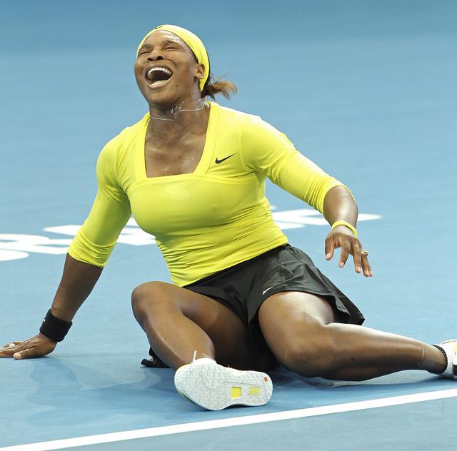 Serena abandona torneo por lesión