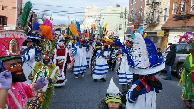 Colorido desfile de Reyes en Brooklyn