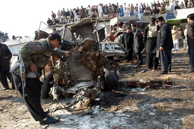 Sangriento atentado en frontera paquistaní