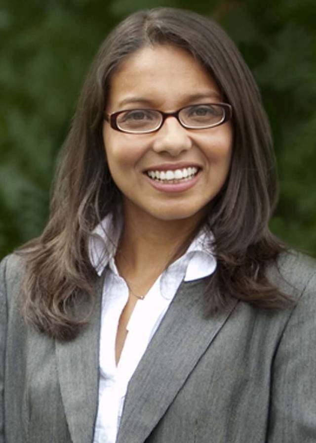 Hispana electa en NJ pelea por su cargo