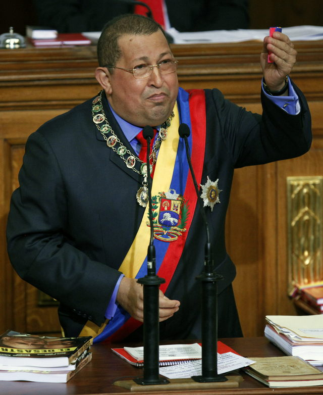Venezuela llama a equipo consular