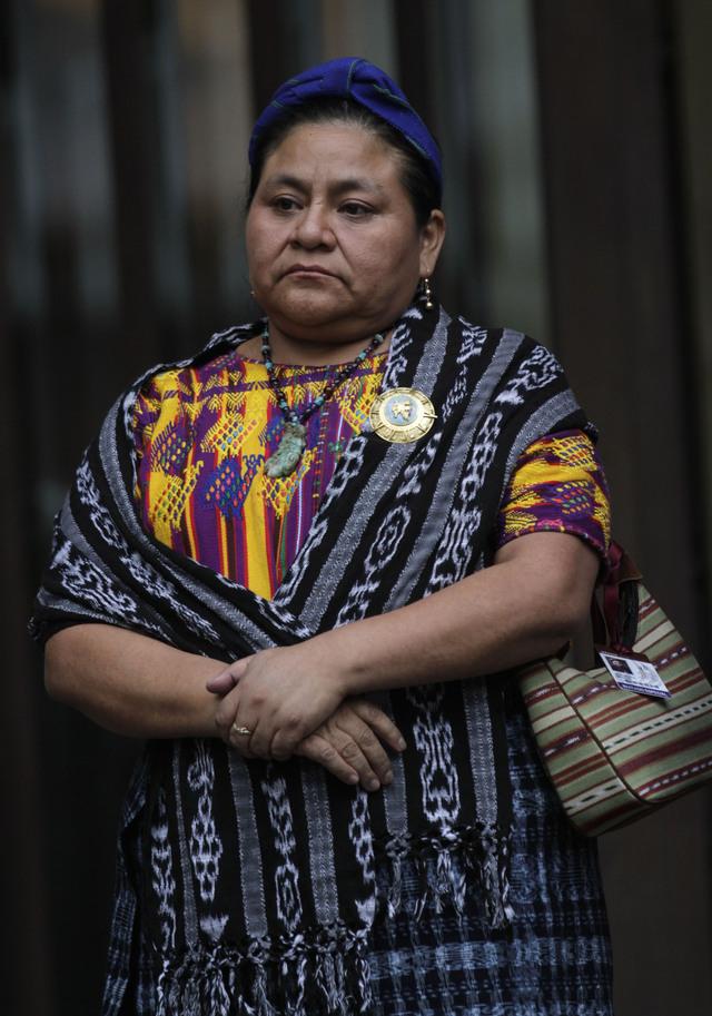 Rigoberta Menchú investigará muerte de mujeres