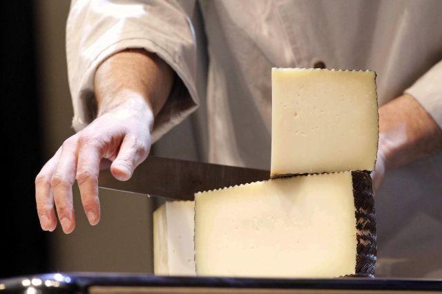 Denuncian a fábrica de queso mexicano en NY