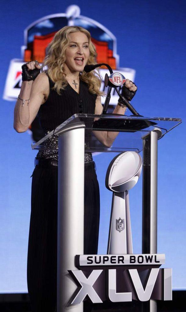 Madonna imita pasos de Víctor Cruz