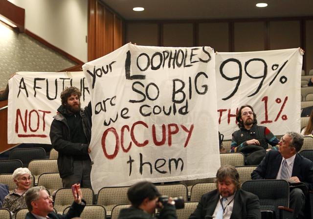 'Indignados'  interrumpen audiencia en NY