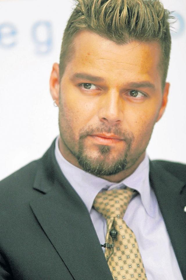 Ricky Martin fue uno de los tantos latinos que utilizó twitter para lamentar la muerte de Houston.