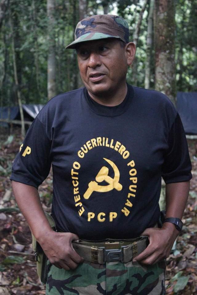 """Fototografía difundida el pasado 7 de diciembre de 2011, donde se observa a """"Artemio"""", durante una entrevista  en las selveas del Perú."""