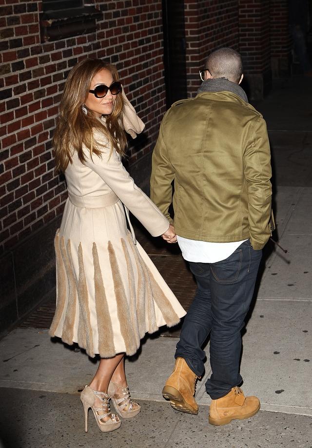 Jennifer López y Casper siguen enamorados.