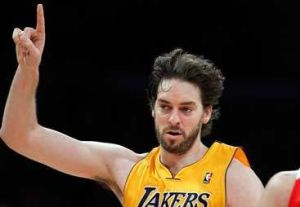 Kobe defendió a Pau Gasol