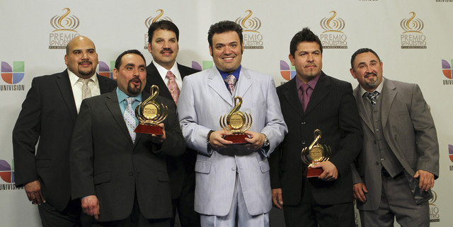 Intocable obtuvo tres galardones en los pasados Premios Lo Nuestro.