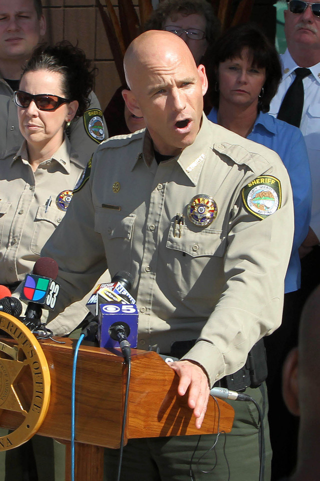 El alguacil Paul Babeu fue acusado por su expareja, un indocumentado.