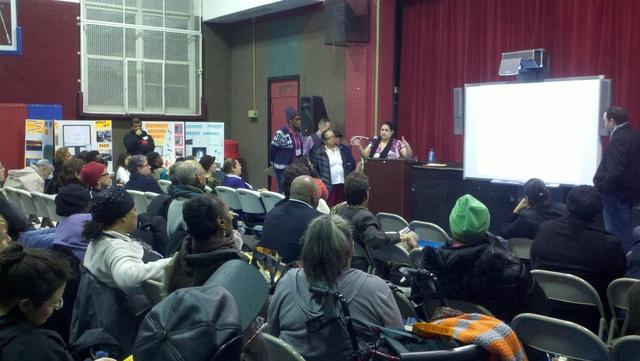 Parte del público que asistió a la asamblea del miércoles donde la comunidad se de El Barrio y sur de El Bronx discuten cómo gastar un millón de dólares.