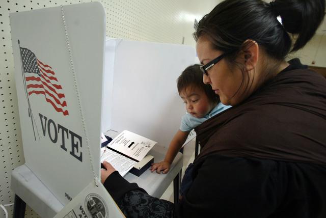 Regístrese para votar y hacer su voz contar