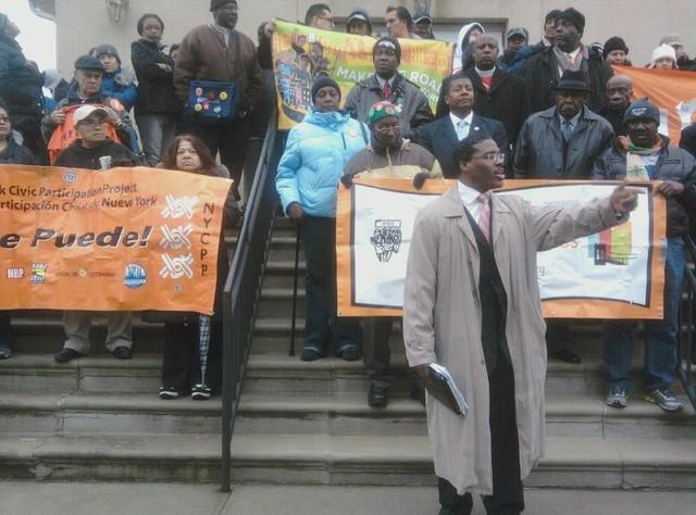 Un grupo de activistas y trabajadores hicieron un llamado a las autoridades para mejorar las condiciones salariares de los trabajadores subcontratados por las aerolíneas.