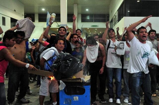 Varios protestaron en la estación ferroviaria Once donde fue el choque.