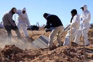 Suman 332 cuerpos hallados en fosas clandestinas
