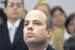 Ferrer denuncia persecución en PR