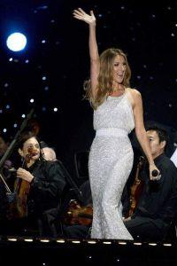Celine Dion tiene problemas en cuerdas vocales