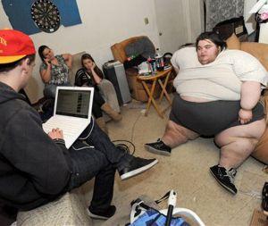 Obeso mórbido causa sensación en YouTube