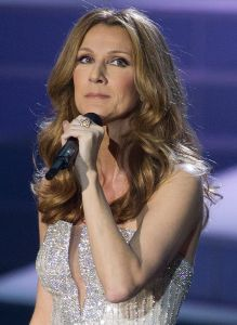 Celine Dion se recupera de problema en cuerdas vocales