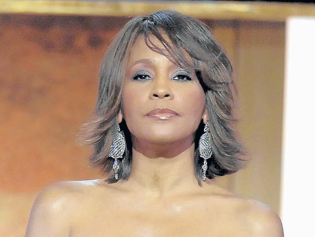 Whitney Houston murió ahogada
